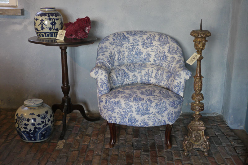 Fauteuil crapaud louis philippe brigitte aerden antiques architecturals - Ruimte stijl louis philippe ...