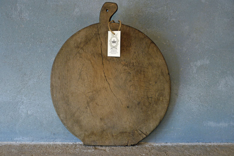 Wooden Bread Board Round
