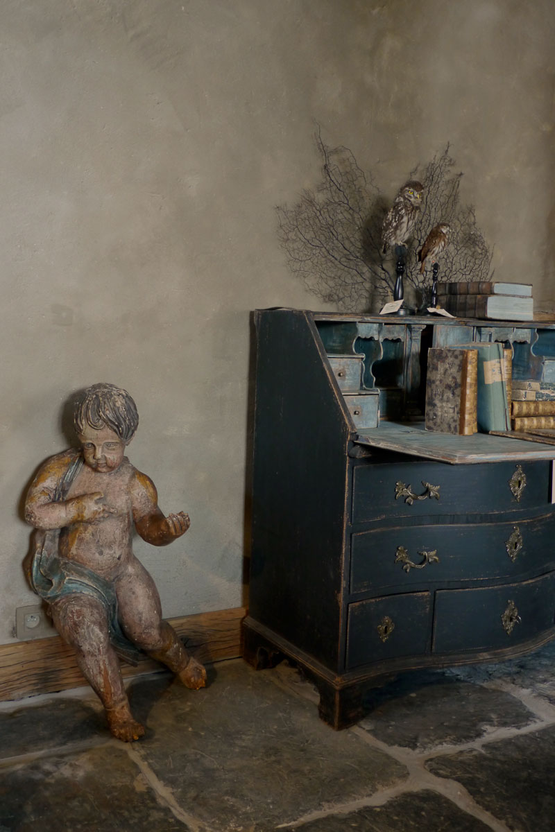 Wooden XL Putto